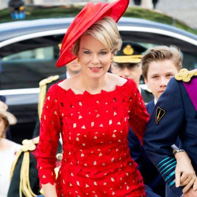 дивний вибір: королева Бельгії наділу пальто як у 7-річної дівчинки